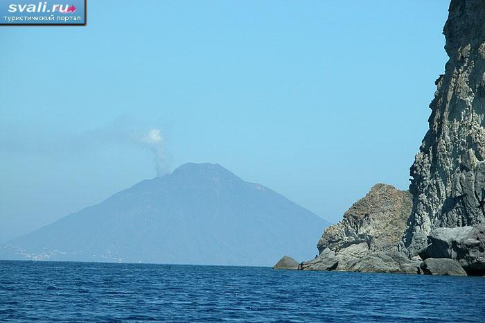 Вулкан стромболи stromboli италия