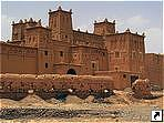 Касба Амерхидилов (Kasbah of Amerhidil), Уарзазат, Марокко.
