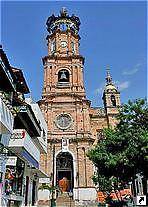 Церковь в Пуэрто-Вальярта (Puerto Vallarta), Мексика.
